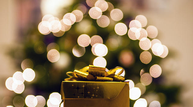 Christmas Tree & Present - Small Business Owners Christmas Survival Guide