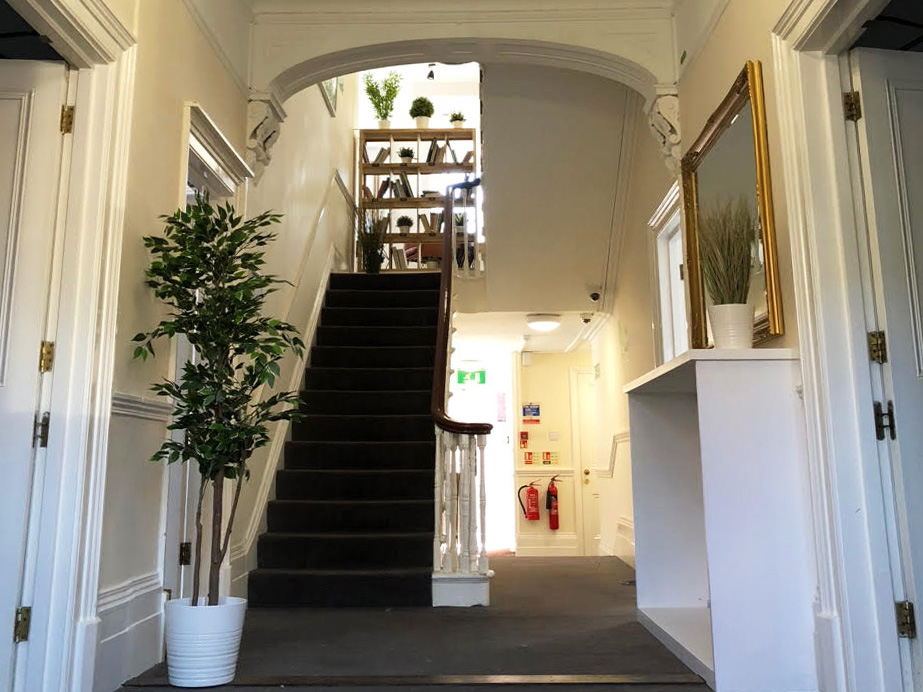 Markham House entrance hall - The Workstation, Wokingham